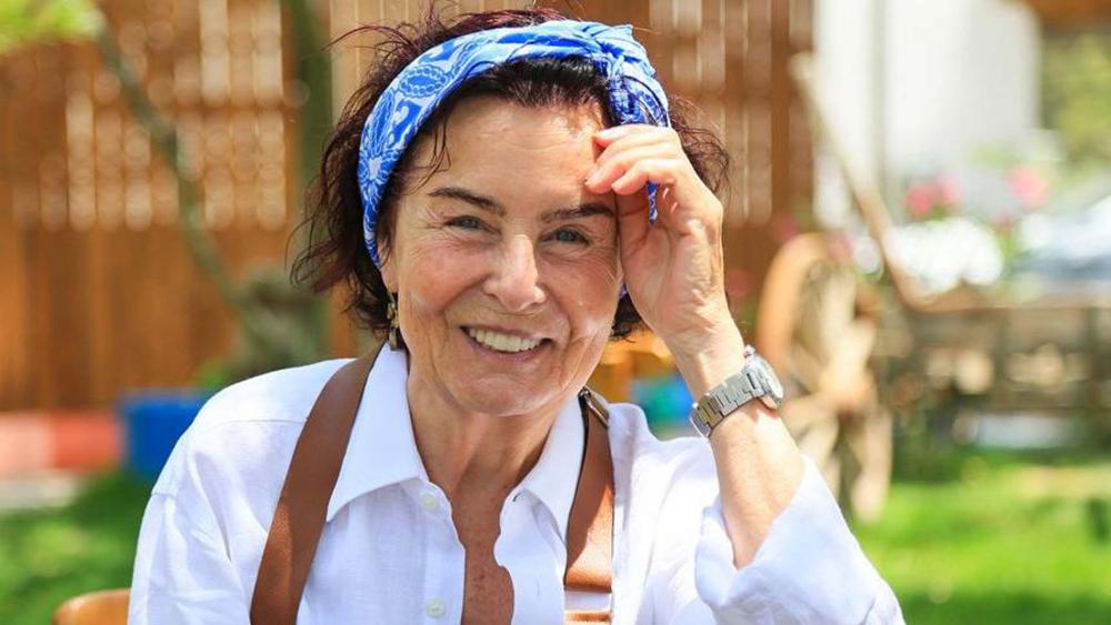 Türk sinemasının efsanesi Fatma Girik'ten üzen haber! Fenalaşınca hastaneye kaldırıldı 1