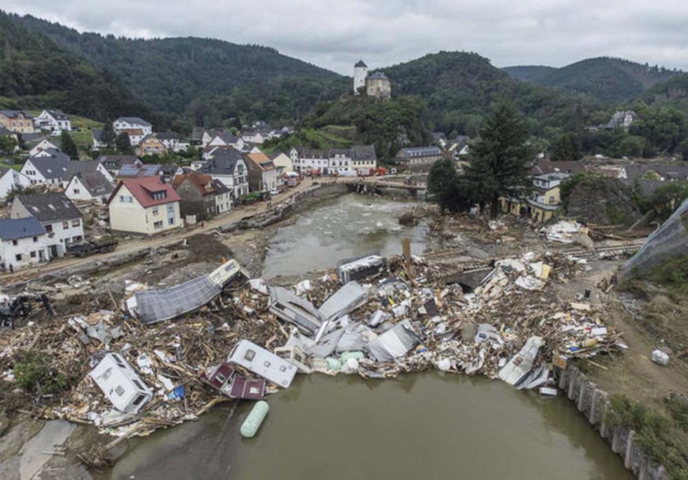 Almanya'da yaşanan sel felaketinde ölü sayısı 176'ya çıktı! 155 kişi hala aranıyor! 1