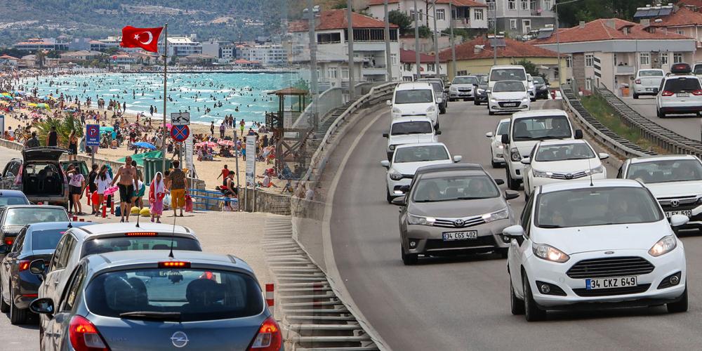 Tatilcilerin dönüş çilesi başladı! Trafikte uzun araç kuyrukları oluştu 1