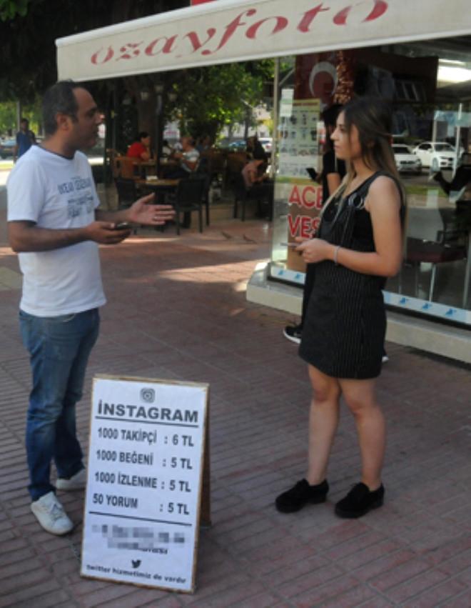 Adana'lı girişimci Sokakta Takipçi ve Beğeni Satıyor 1