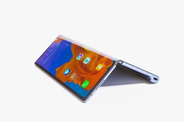 Huawei yeni katlanabilir telefonu Mate X'i satışa çıkardı 1