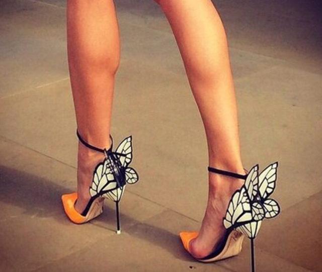 Topuklu ayakkabı ile nasıl yürünür? Püf noktaları neledir? 1
