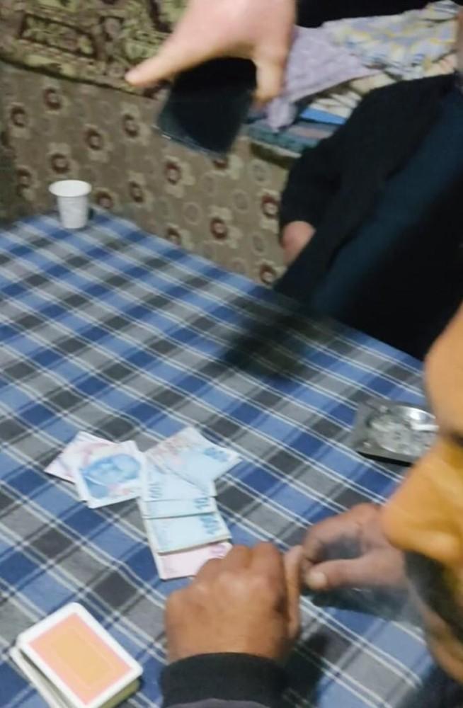 Adana'da kumar baskını: 22 kişiye toplam 53 bin cezai işlem yapıldı