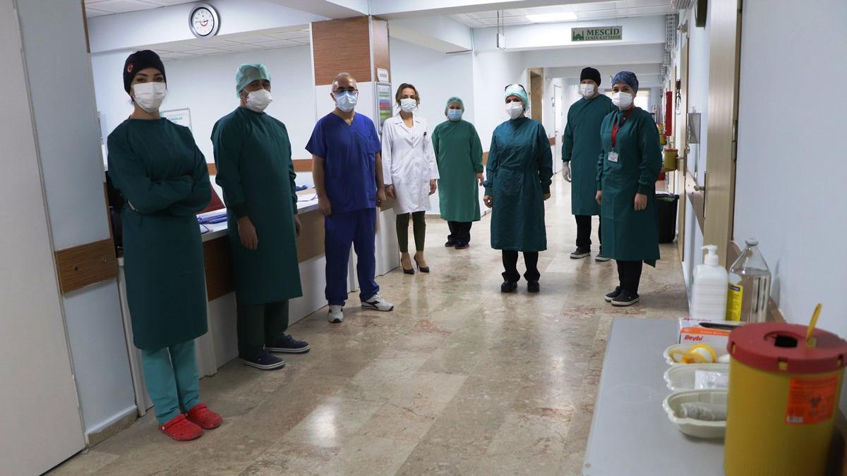 Son dakika| Sağlık çalışanlarına müjdeli haber: Kısıtlamalar kaldırıldı
