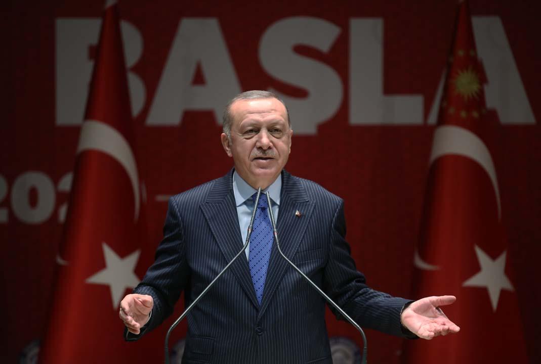 Cumhurbaşkanı Erdoğan, İl Başkanlarına seslendi: Toplumu kucaklayacak bir parti faaliyeti ortaya koyacağız