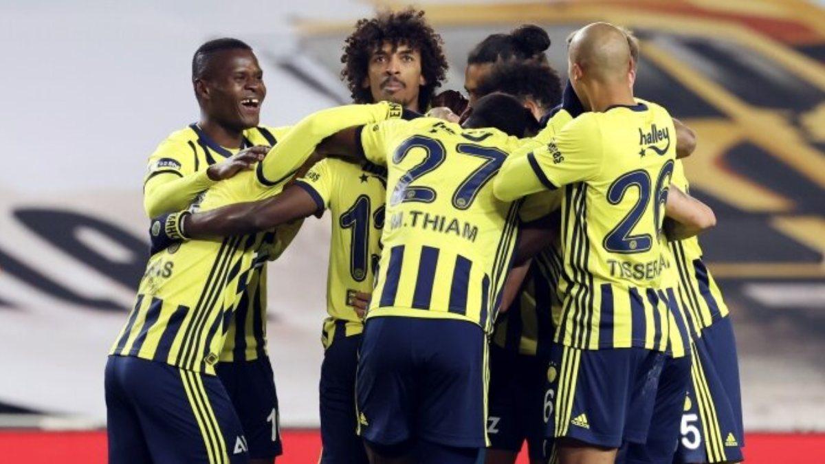 Fenerbahçe, zorlu Sivasspor deplasmanında