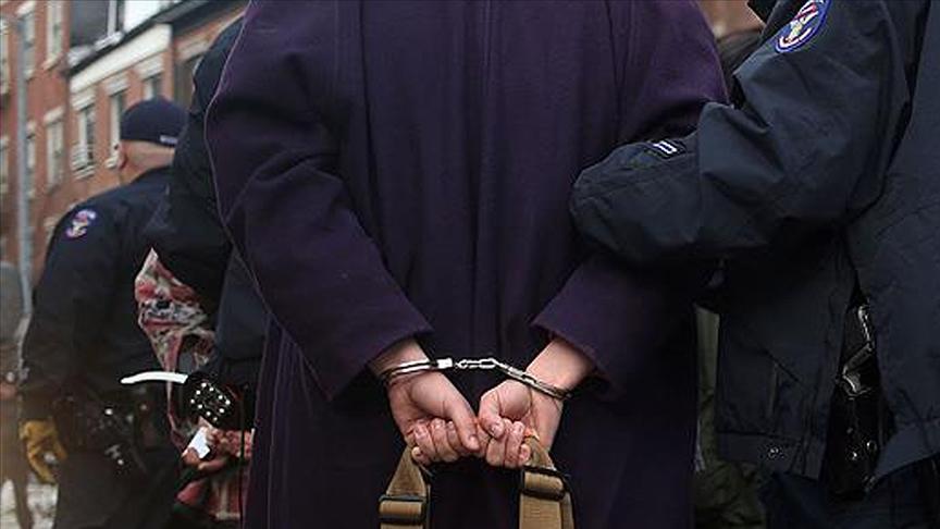 FETÖ'ye ağır darbe: Sınav sorularını örgüt üyelerine dağıtan 44 kişiye gözaltı!