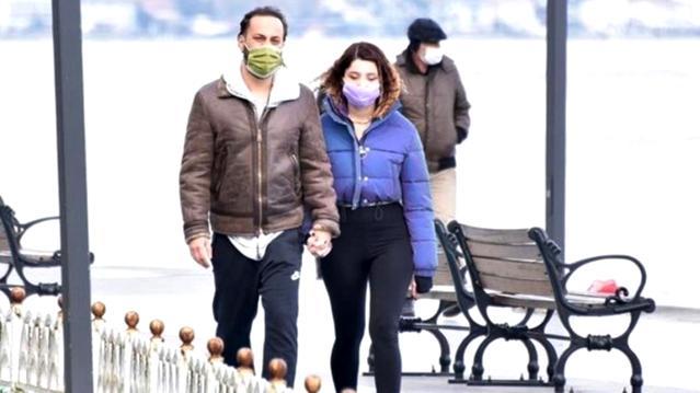 Ünlü oyuncu Kaan Taşaner'in sevgilisi Seray Dura'nın iç çamaşırlı ayna pozları olay yarattı!