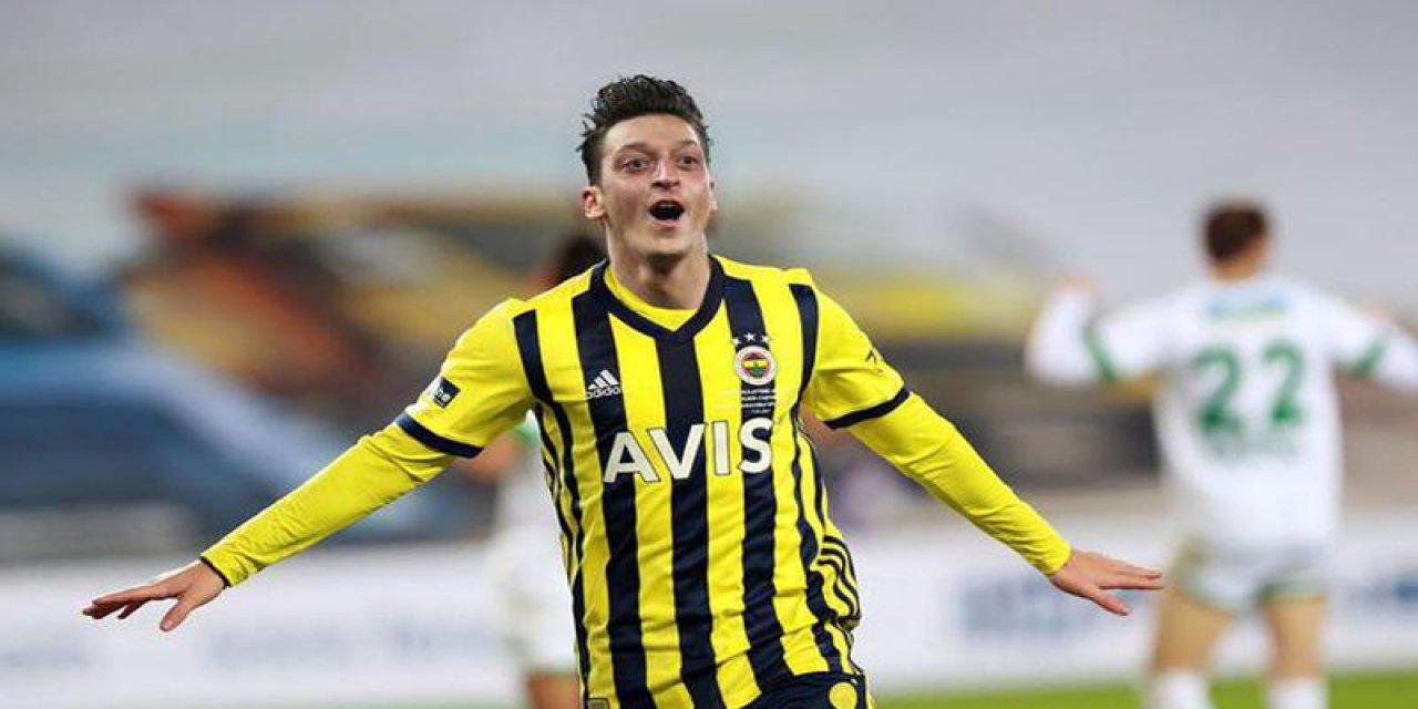 SON DAKİKA! Fenerbahçe, Mesut Özil transferi için Arsenal'la anlaştı!