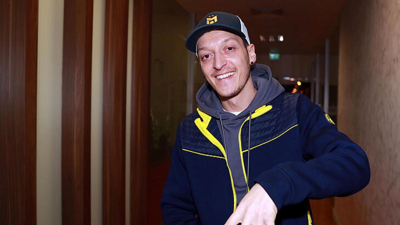 Son dakika! Mesut Özil'in imza töreni için saat verildi!
