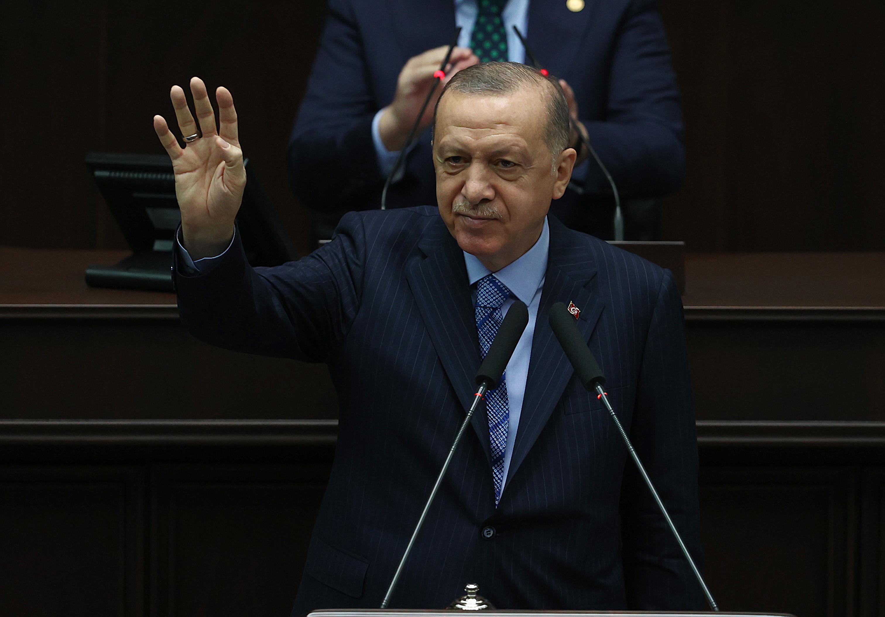 Cumhurbaşkanı Erdoğan'dan flaş açıklama! Kısıtlamalar kalkıyor mu?