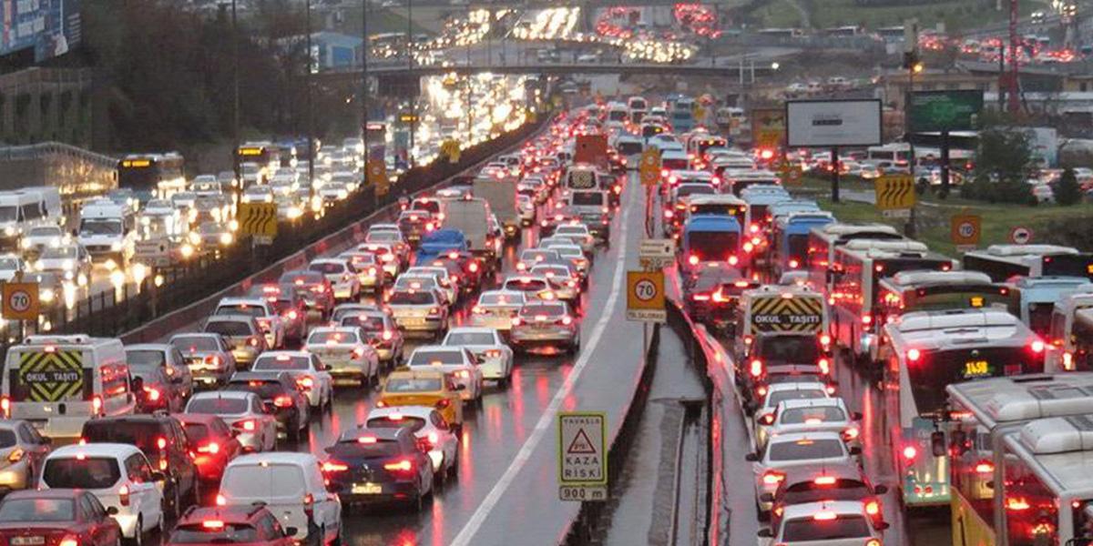 Yola çıkacaklar dikkat! İstanbul'da harita kızardı!