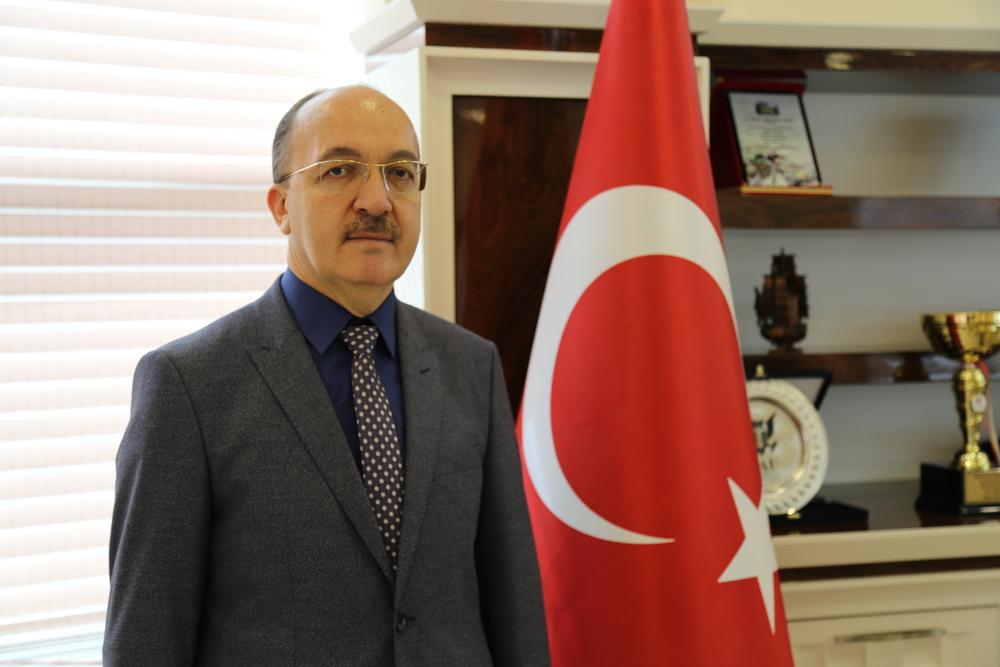 Gümüşhane Üniversitesi Rektörü Prof. Dr. Halil İbrahim Zeybek kimdir? Kaç yaşında? Nereli?