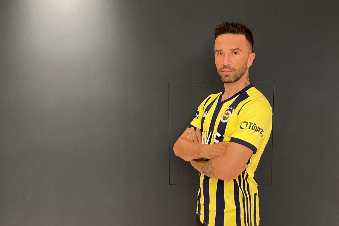 Fenerbahçe'nin yıldızı Gökhan Gönül için flaş iddia! Futbolu bırakıyor