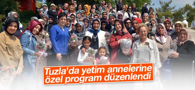 Tuzla'da Yetim Annelerine Özel Program Düzenlendi