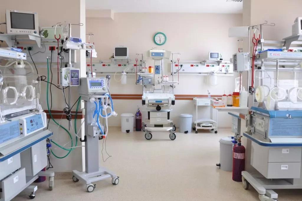 Özel hastanede büyük skandal!ı 8 kişiye koronavirüs bulaştırdı