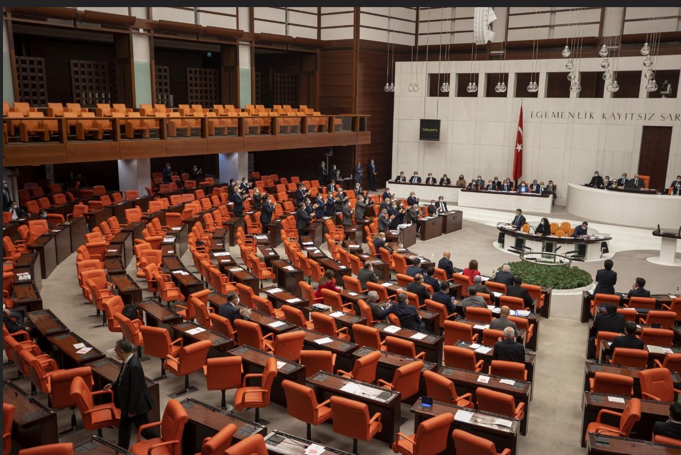 10 fezleke meclise ulaştı: Aralarında Enis Berberoğlu da var!