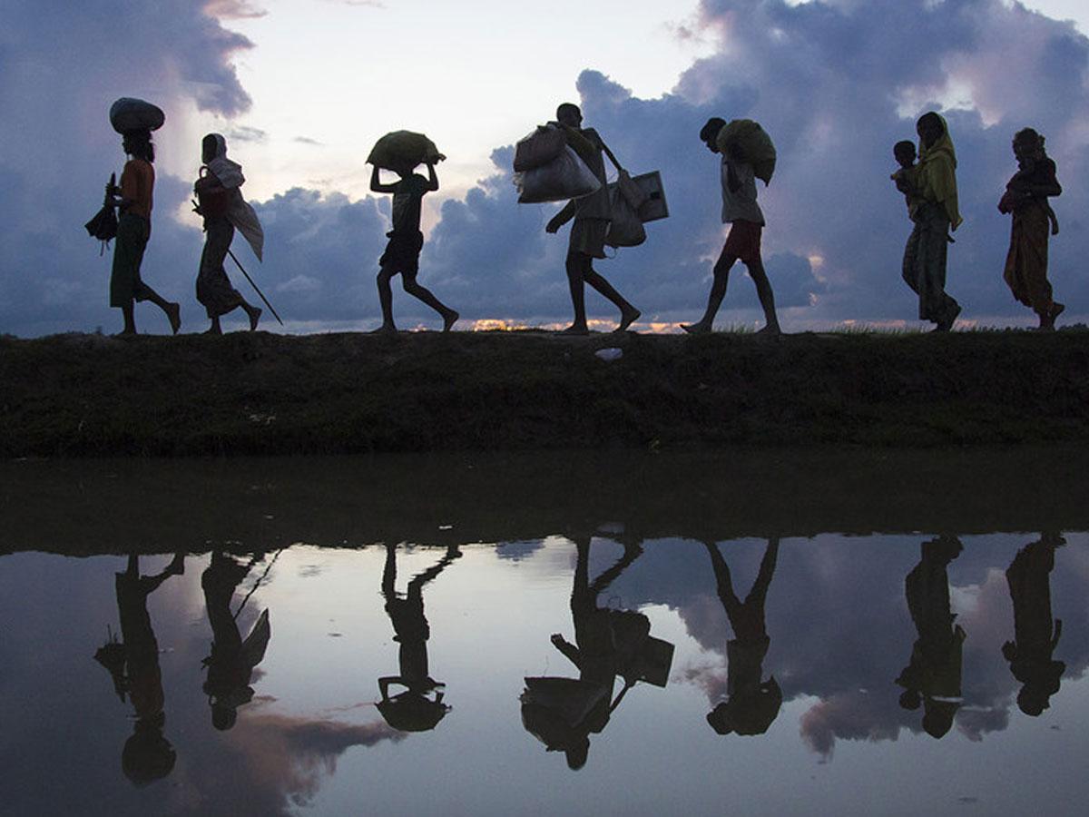 Yaşlı adama çarpan kamyonun kasasından 114 düzensiz göçmen çıktı