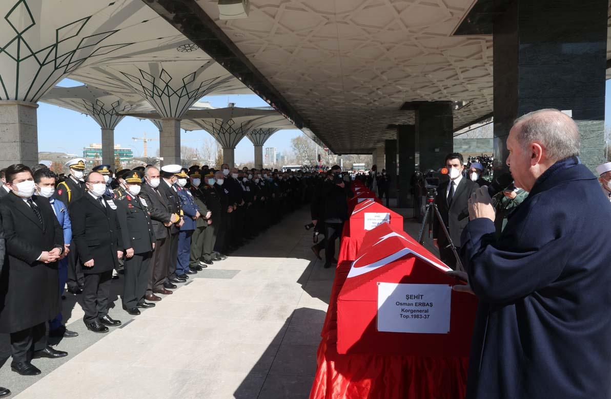 Cumhurbaşkanı Erdoğan şehitlerin cenaze töreninde: İnşallah sevgili habibin sancağı altında da bir oluruz!
