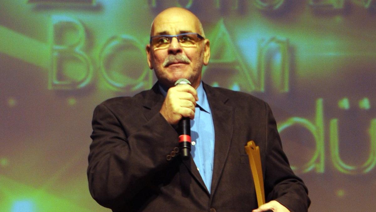 SON DAKİKA! Ünlü oyuncu Rasim Öztekin kalp krizi geçirdi