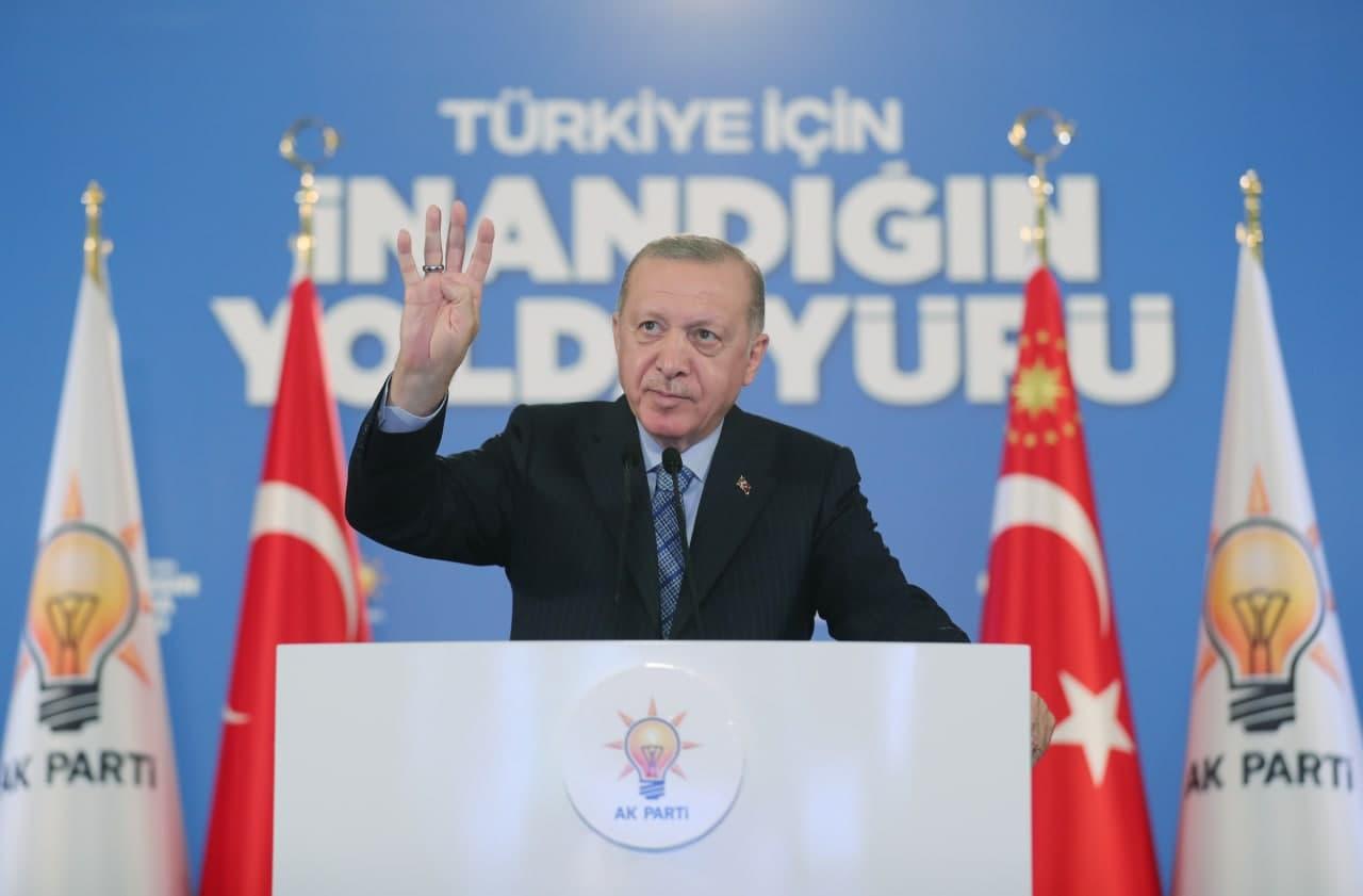 Cumhurbaşkanı Erdoğan Kadın Kolları Kongresi'nde: Kadına şiddeeti önlemek için mecliste yeni bir komisyon kuruyoruz!