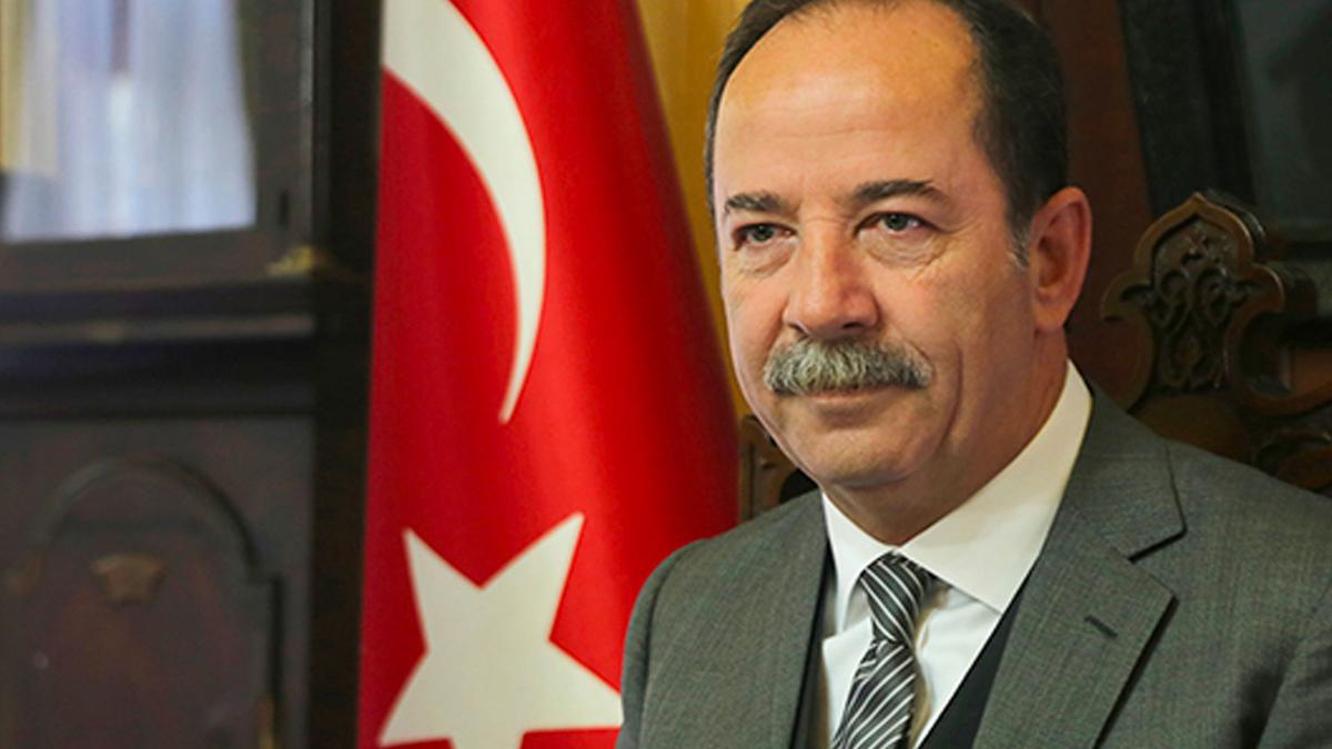 15 Temmuz'da kadeh kaldıran Edirne Belediye Başkanı Recep Gürkan'a 2 ay 15 gün hapis cezası!