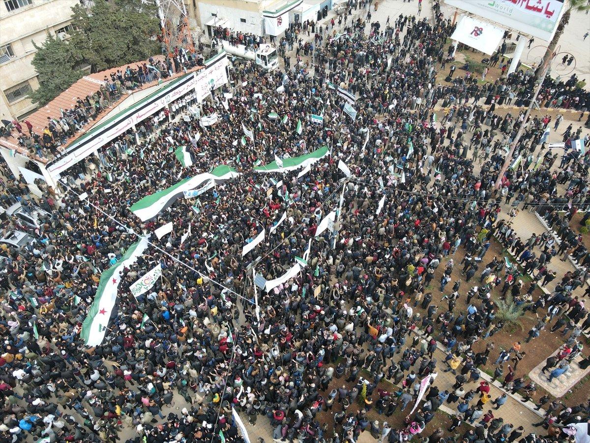 Suriye'deki İç savaşın 11. yılında halk tarafından gösteri düzenlendi