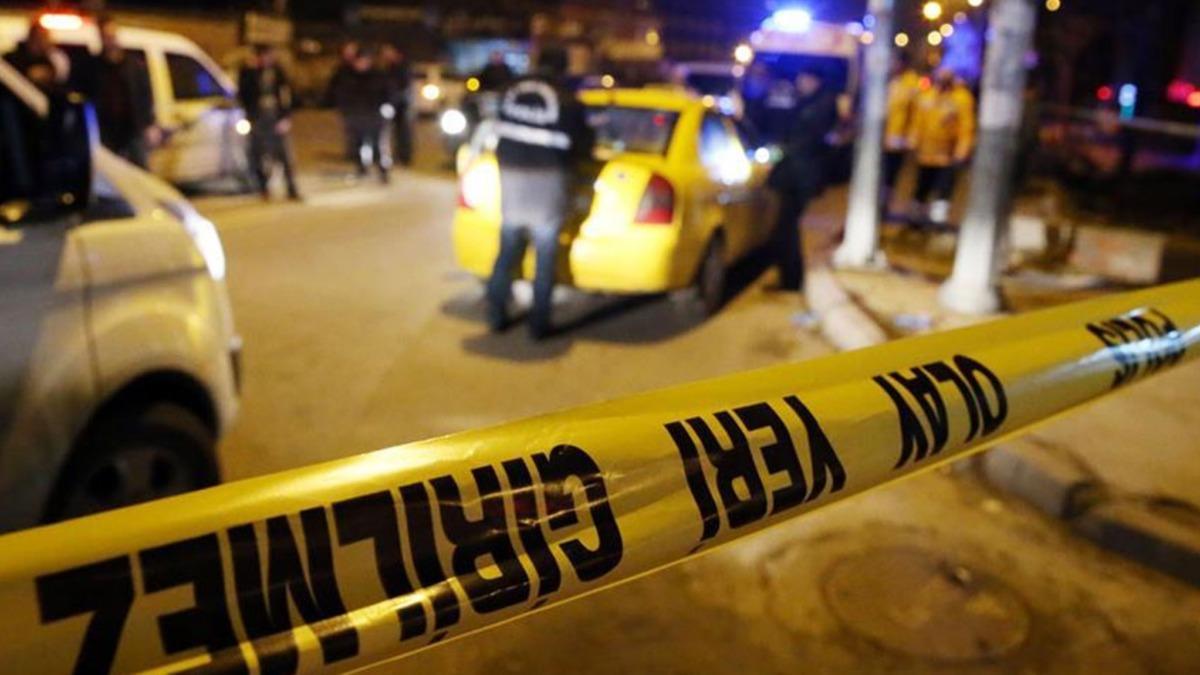 Adana'da evinin önünde silahlı saldırıya uğrayan şahıs ağır yaralandı