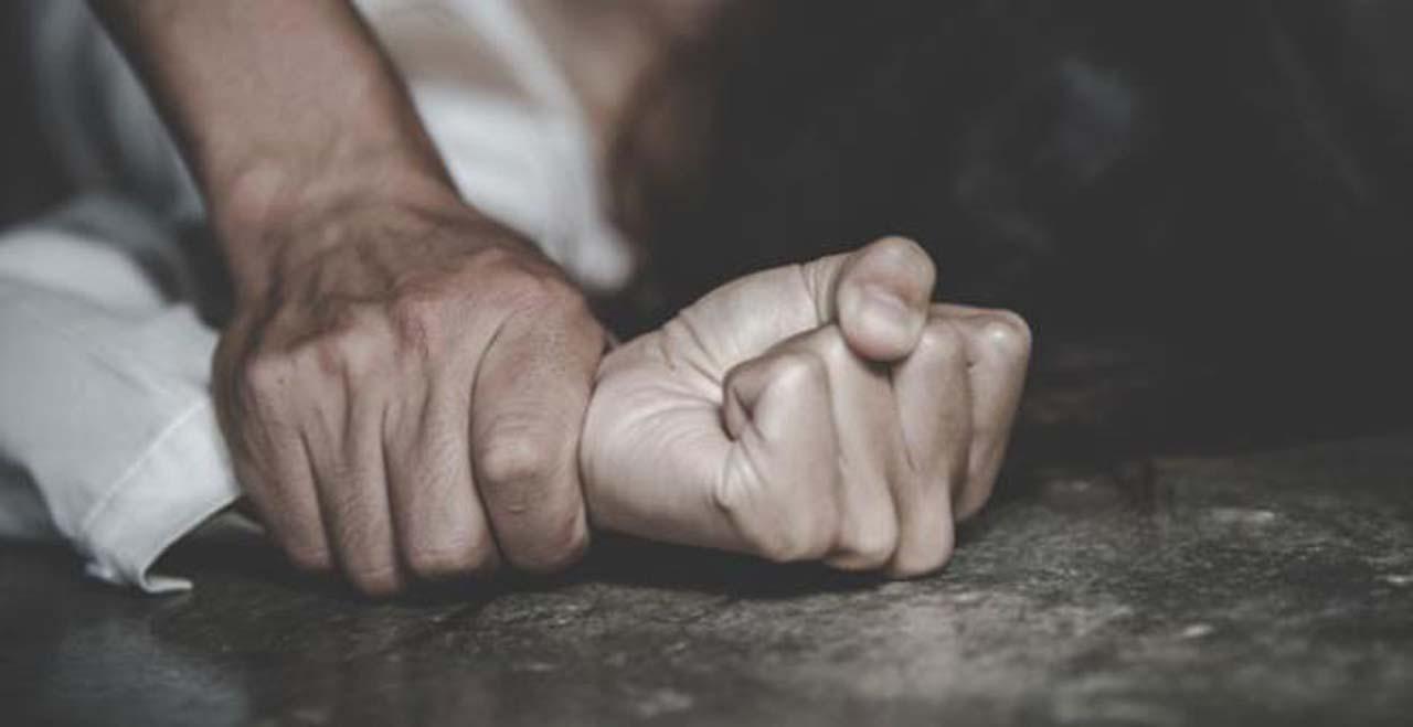 Adamı ağaca bağlayıp karısına gözü önünde tecavüz eden 4 kişi asıldı