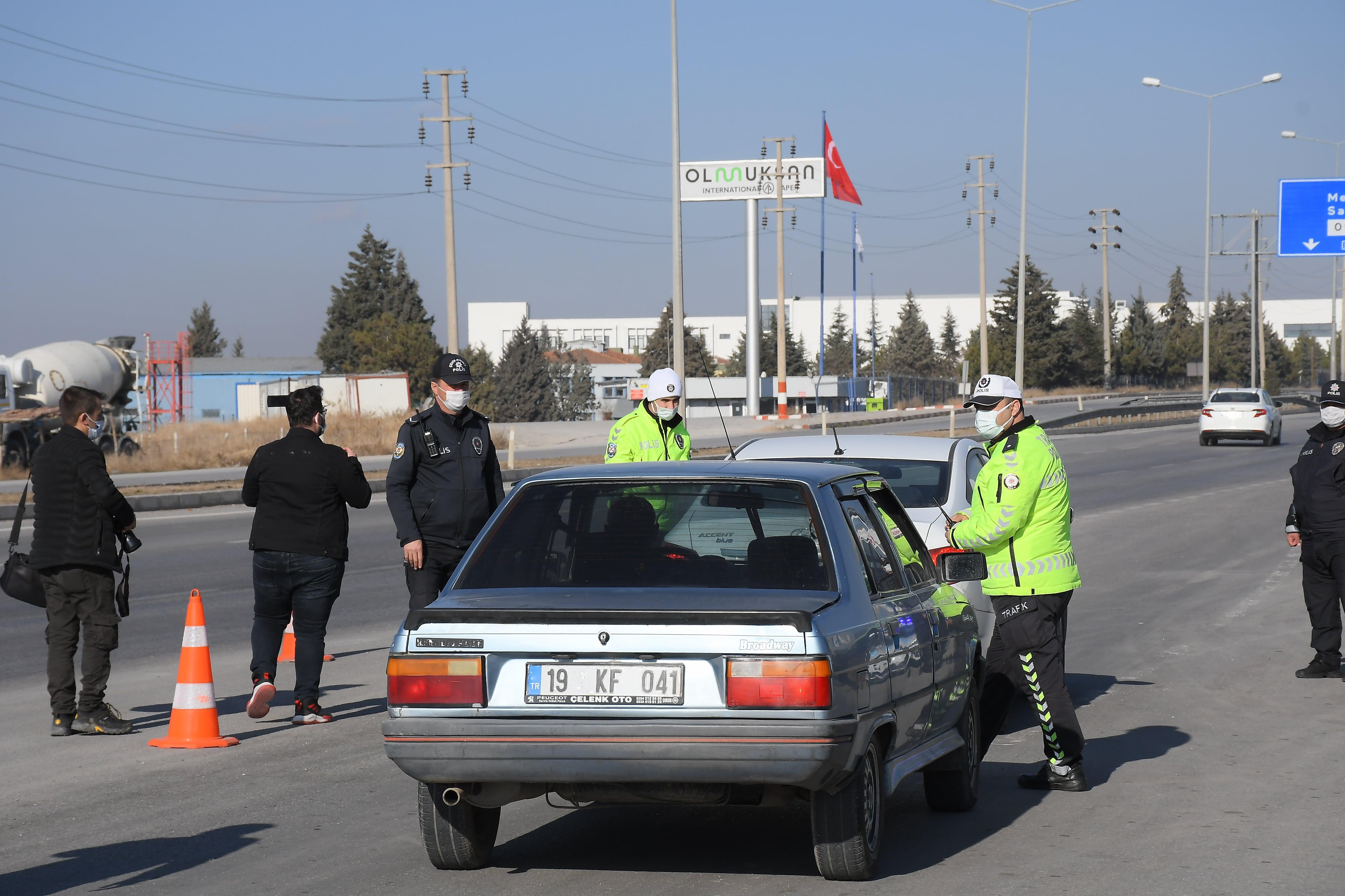 Son dakika... İçişleri Bakanlığı açıkladı: Denetimler bin 311 şahıs yakalandı