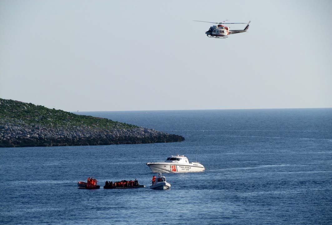 Böyle canilik görülmedi: Yunanlıların denize attığı göçmeni arama çalışmaları sürüyor