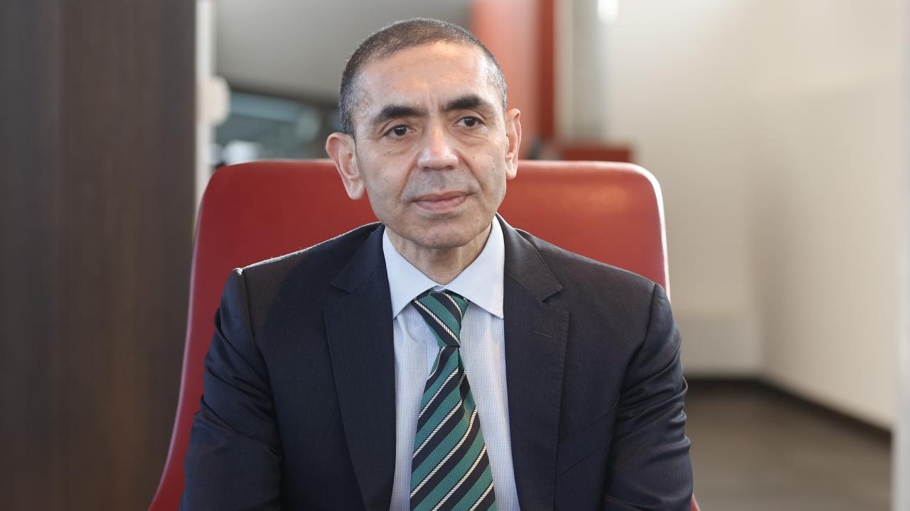 "Prof. Dr. Uğur Şahin tarih verdi, ""Karantinalara gerek kalmayacak"""
