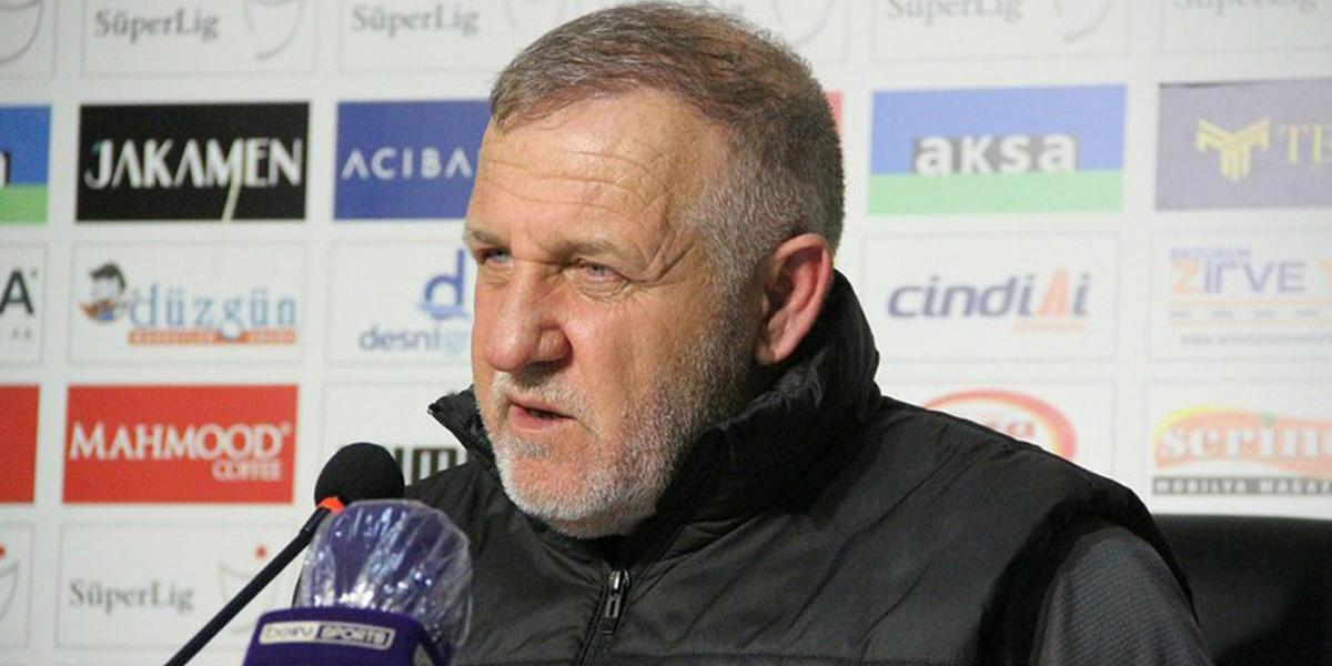 Son dakika   Erzurumspor'da teknik direktör Mesut Bakkal ile yollar ayrıldı!