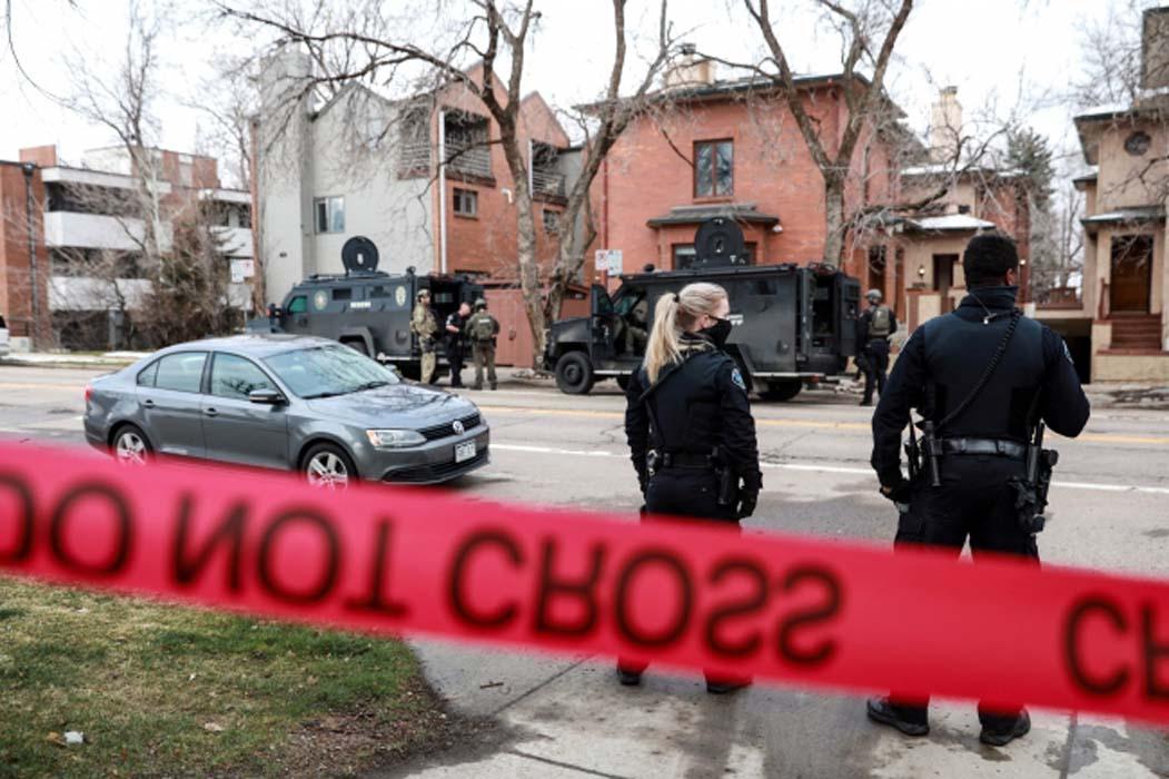 ABD'de silahlı saldırı: Biri polis 10 kişi öldürüldü