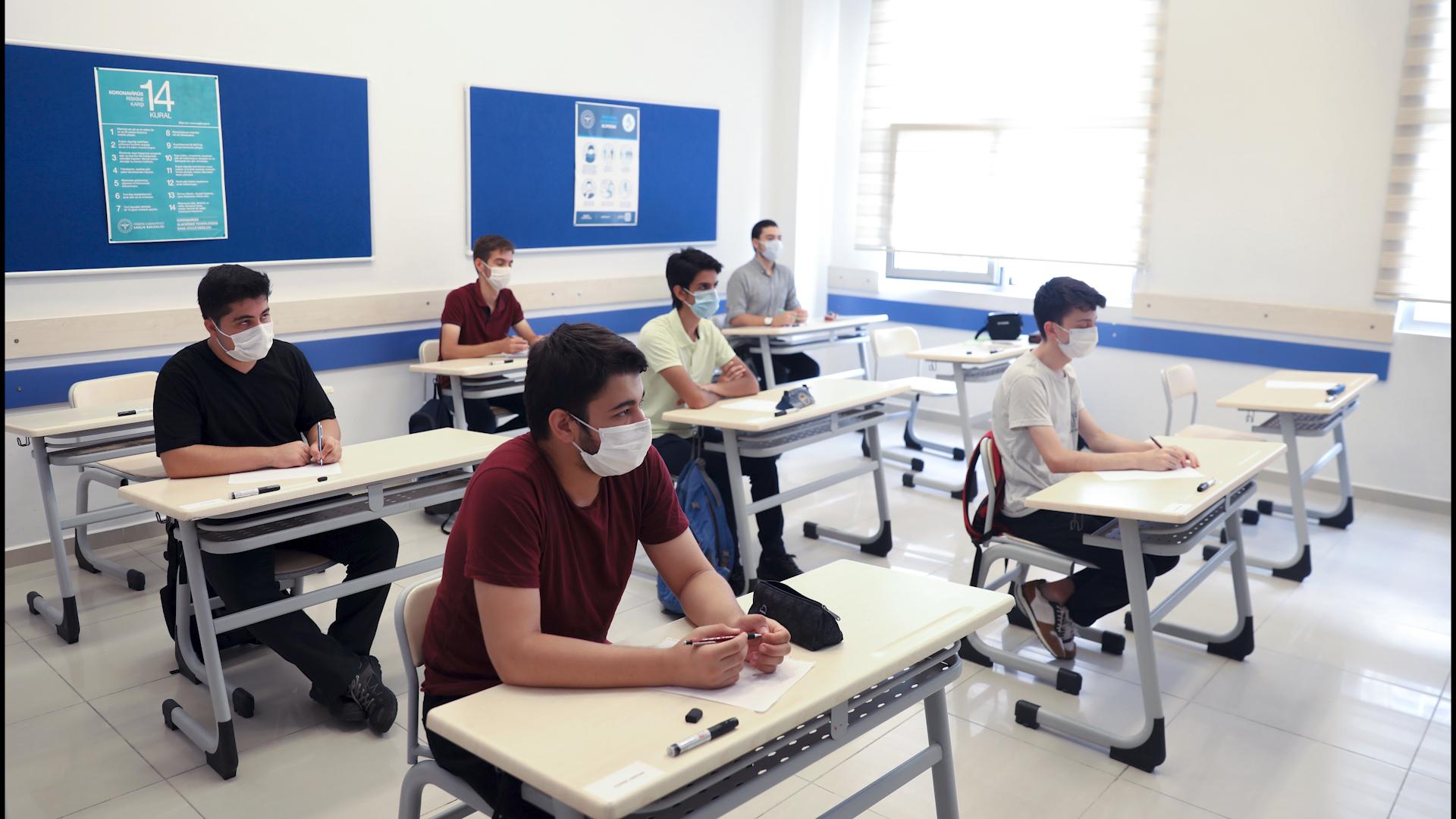 Lise son sınavları ne zaman 2021? Lise son sınavları ertelendi mi?