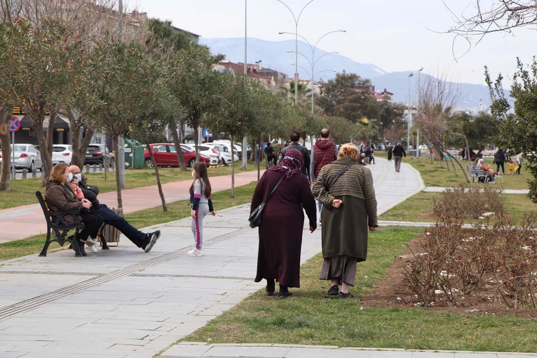 Osman Müftüoğlu yazdı: Hafta sonları yeniden kapanalım!