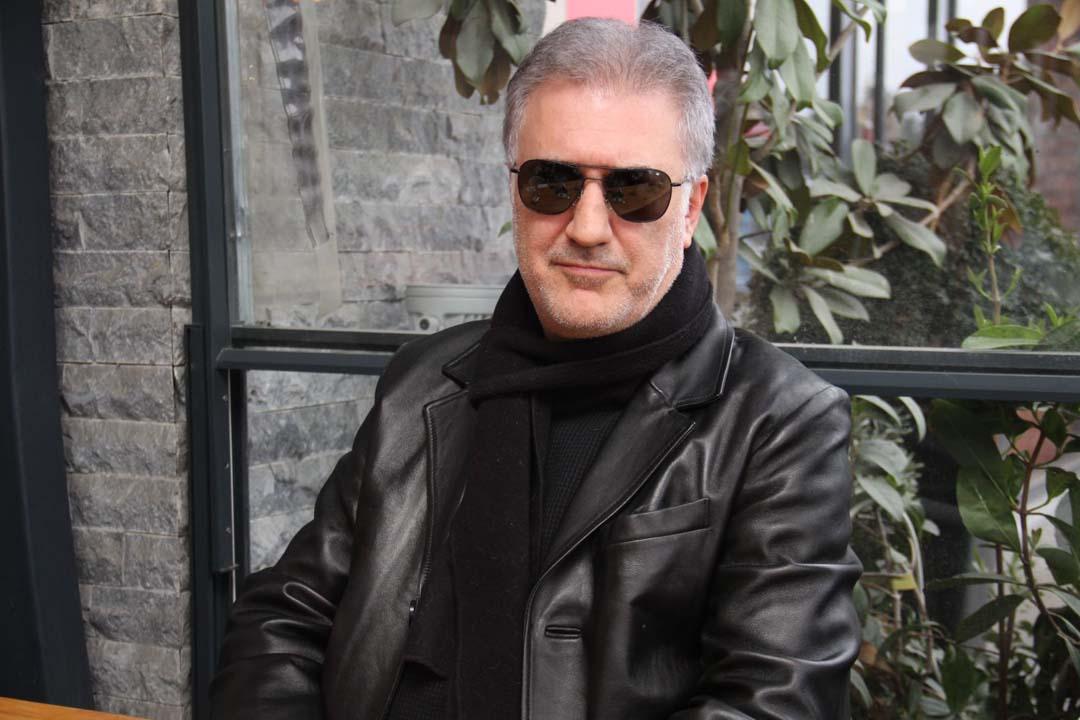 Tamer Karadağlı'dan 30 yaş küçük sevgilisini eleştirenlere tepki: Karışmak kimsenin haddi değil!