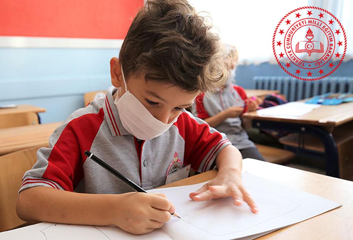 Manisa'da koronavirüs artışları nedeniyle okullar uzakta eğitime geçildi