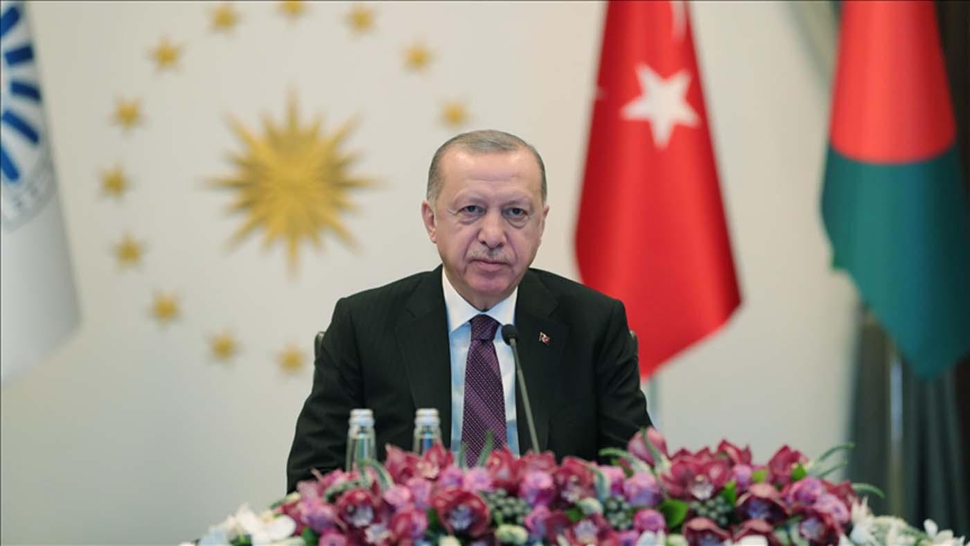 Cumhurbaşkanı Erdoğan'dan D-8 ülkelerine çağrı: Yerel parayla ticarete ağırlık vermemiz şarttır
