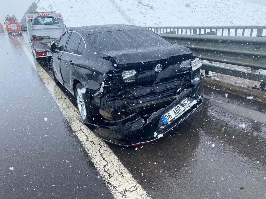 AK Partili vekil Yücel Menekşe ile danışmanı trafik kazası geçirdi!