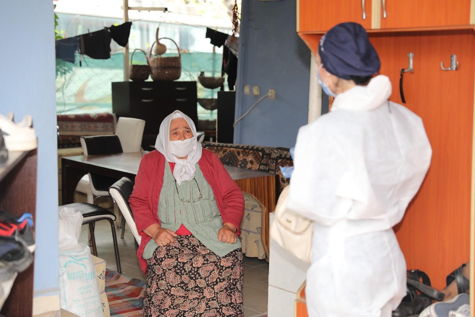 Antalya'da kronik rahatsızlığı olanlara evde sağlık hizmeti