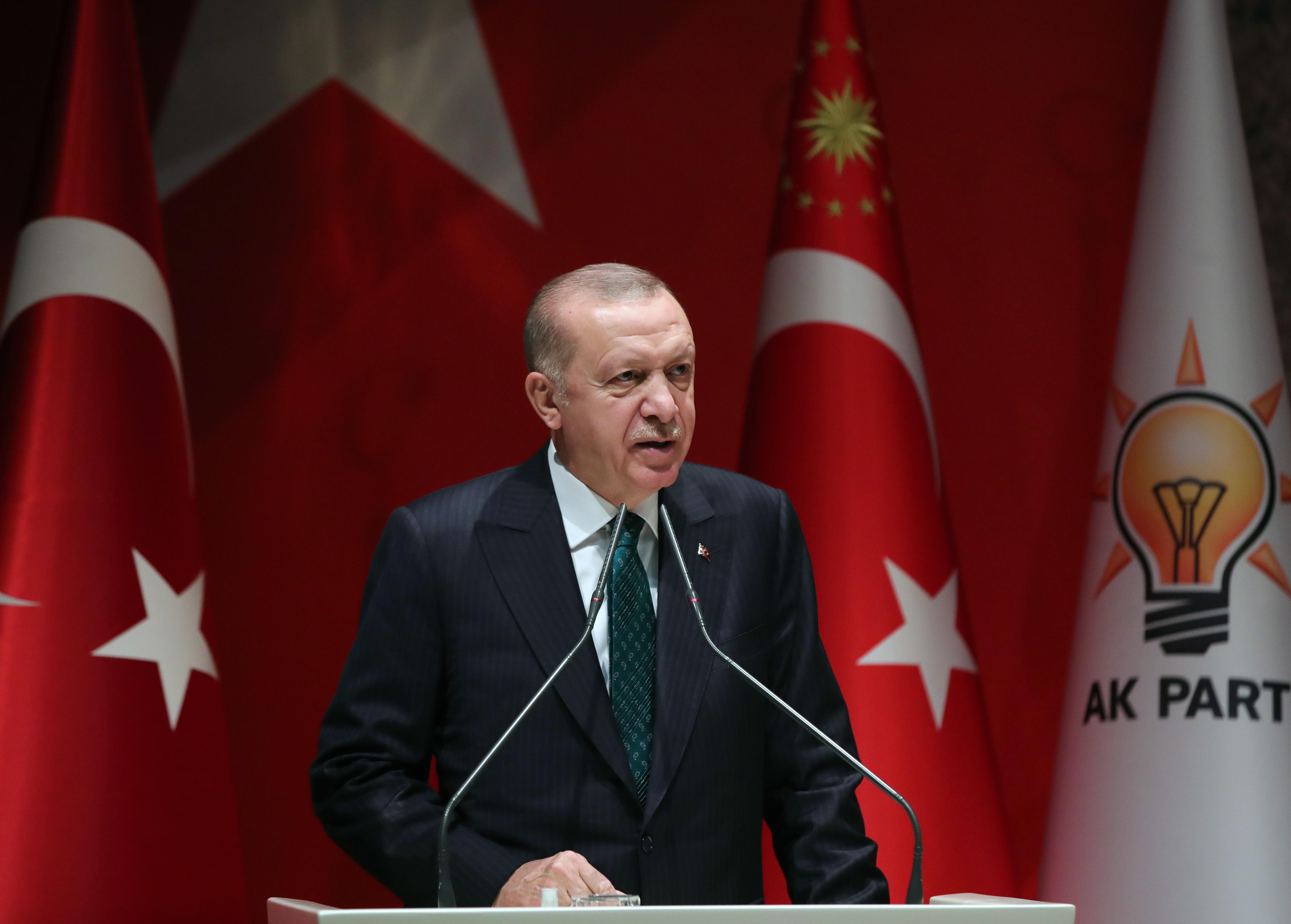 Cumhurbaşkanı Erdoğan duyurdu: Bayram ikramiyelerinin ilk ödemesi Mayıs'ın ilk haftası başlıyor!
