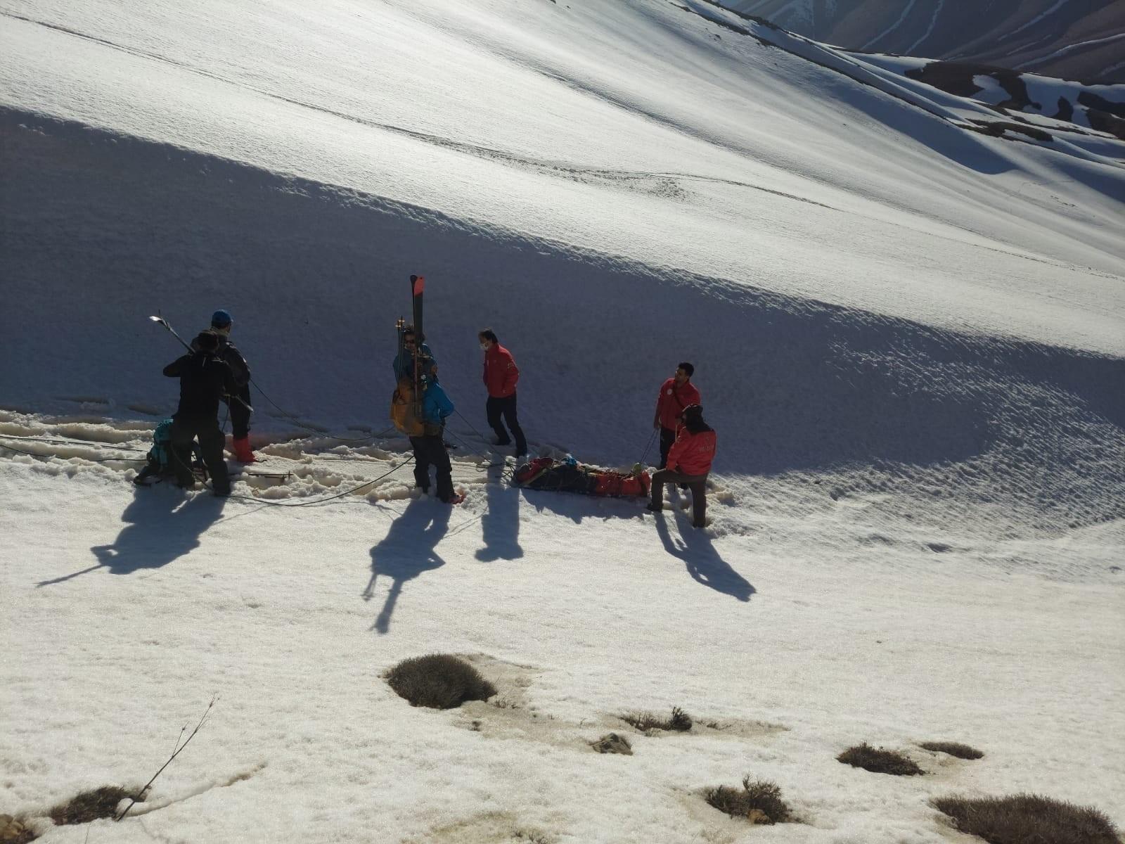 Kayak yaparken bacağı kırılan Dr. Gülce Tunç 6 saatte kurtarıldı