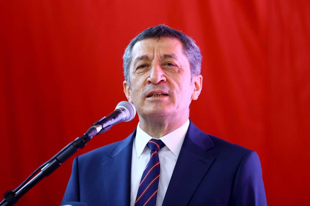 Milli Eğitim Bakanı Ziya Selçuk duyurdu: Canlı sınıf uygulaması yakında Tüm Türkiye'de!