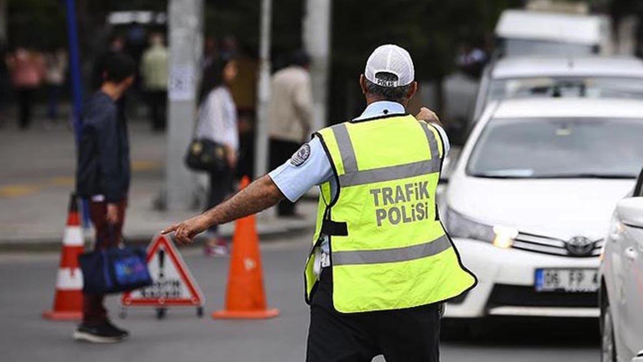 Dur ihtarına uymayan araç polis ekiplerini alarma geçirdi! Adıyaman'da hareketli anlar