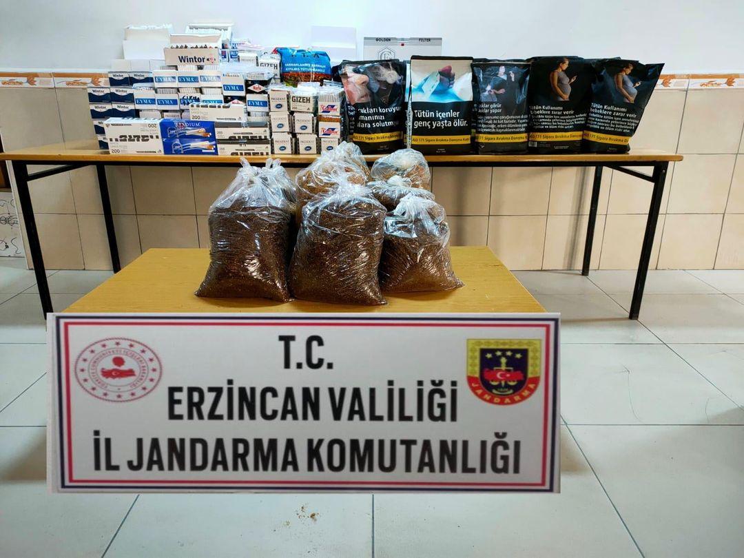 Erzincan'da kaçak tütün operasyonunda 40 bin 800 makaron ve 60 kilogram tütün ele geçirildi