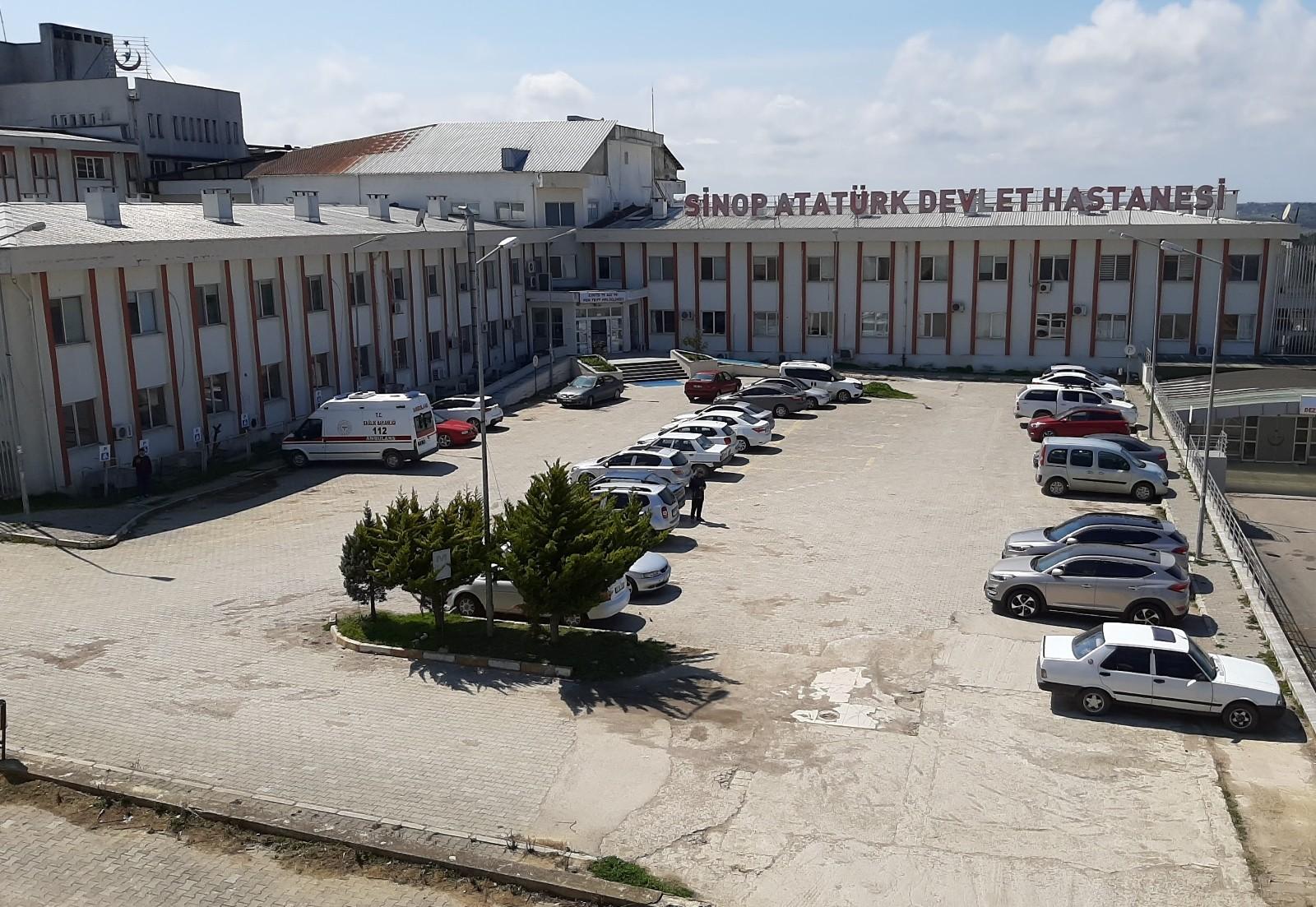Sinop'ta sokaklar kadar hastaneler de yoğun