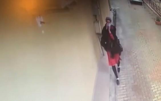 Bursa'da bakıcılık yaptığı evi soyarak kaçan kadını bulana 20 bin lira ödül verilecek