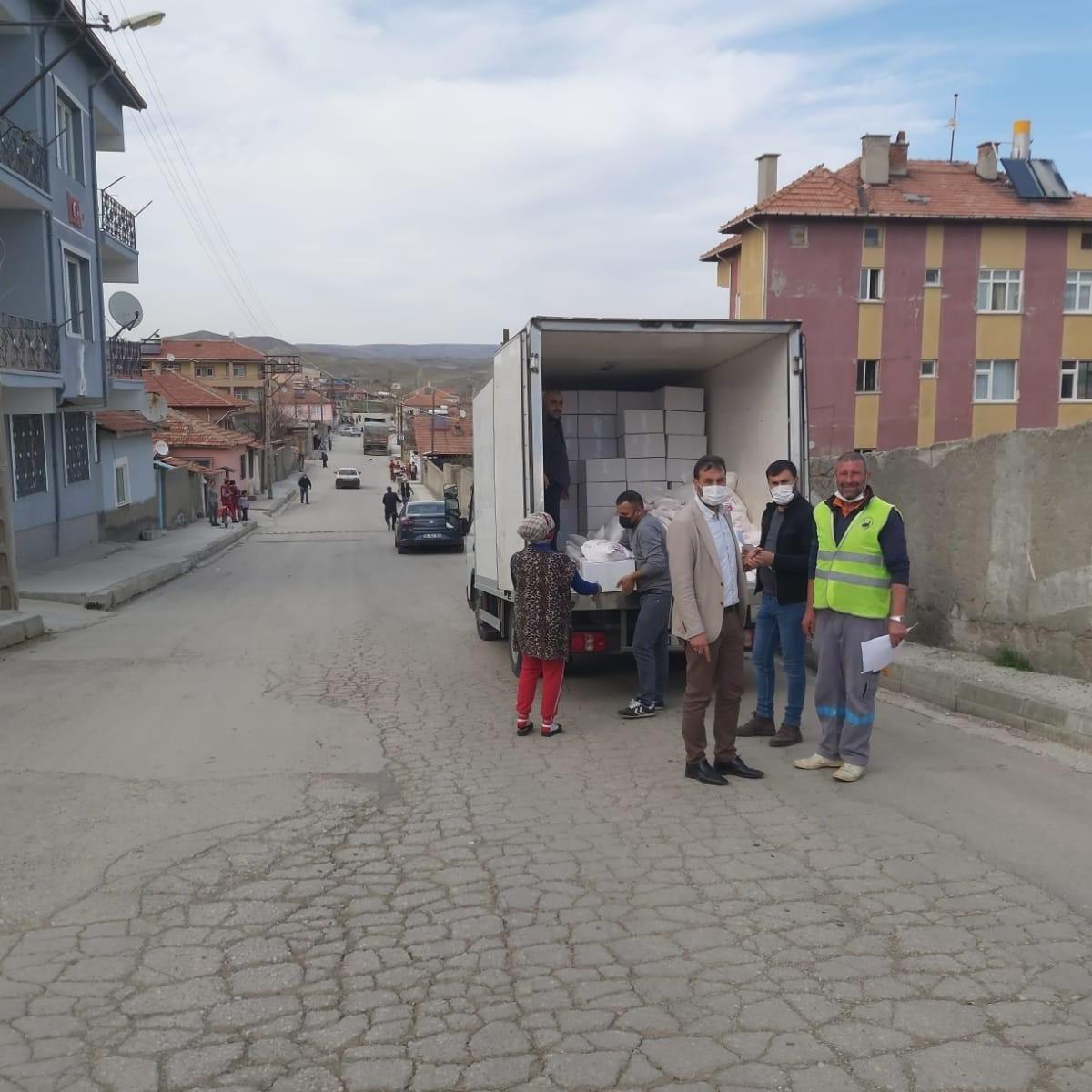 Sungurlu Belediyesi Yardım kolileri ihtiyaç sahiplerine ulaştırılıyor
