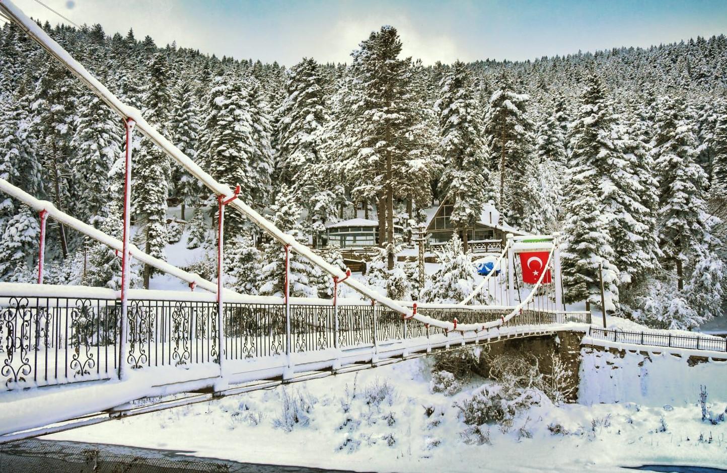 Kastamonu'da yağan kar ortaya mest eden görüntüler çıkardı